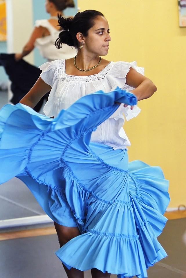 Peruvian dance 01
