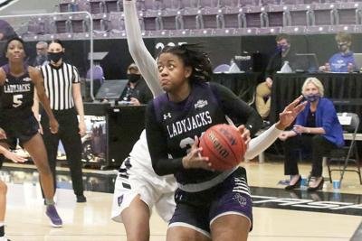 SFA Ladyjacks — Aiyana  Johnson