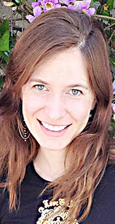 Holly Arnett