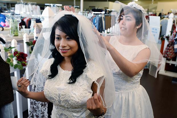Hoe Wedding Dresses