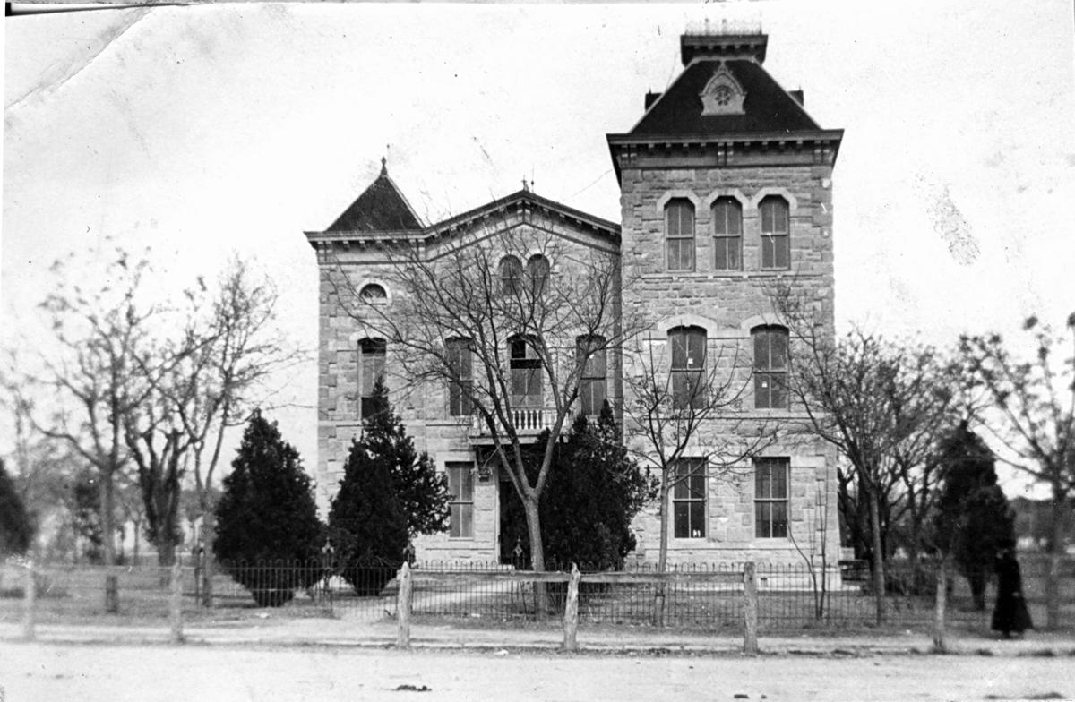1886 Kerr County Courthouse
