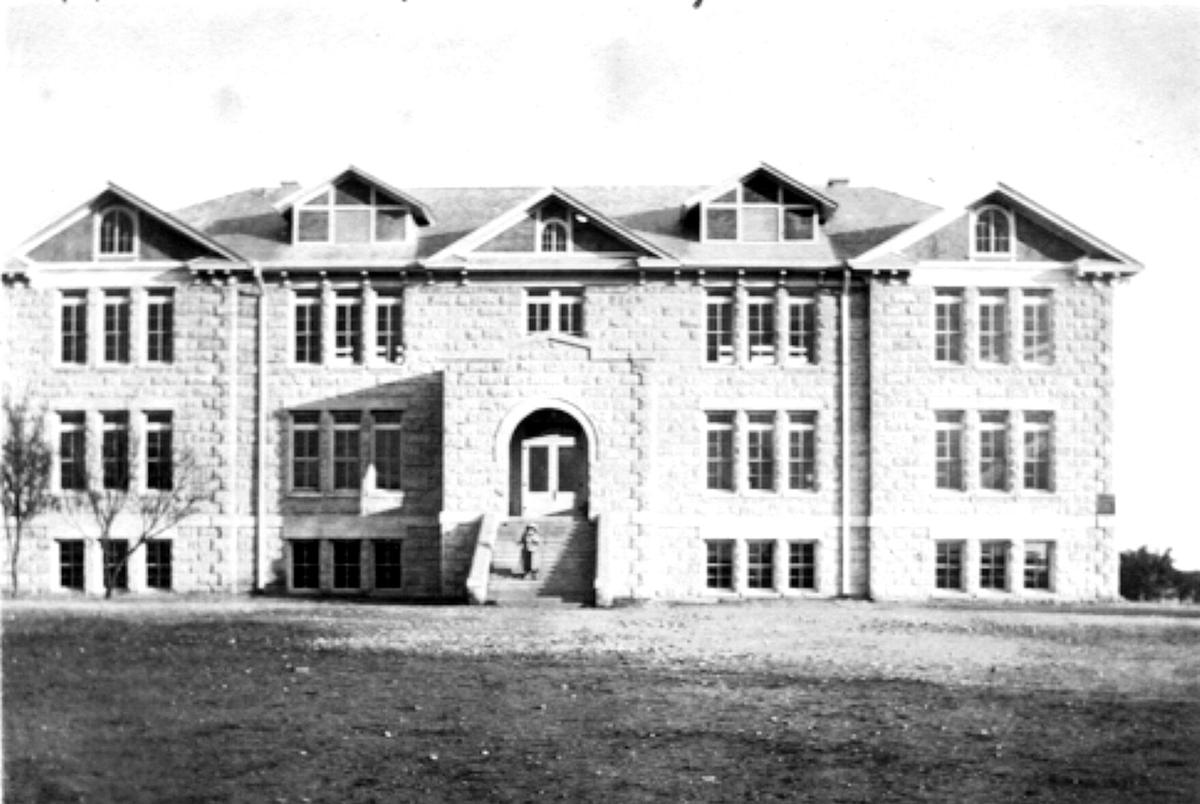 1916: A year of controversy for Kerrville schools