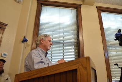 Courthouse crowd opposes Center Point Village