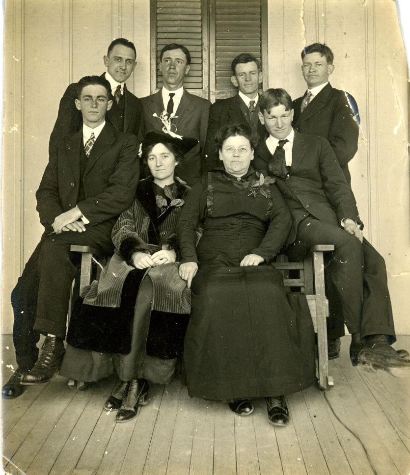 Early employees of HEB, Florence Butt woman on right