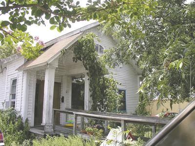 Kerrville church-turned-home is being torn down and moved to make way for new H-E-B