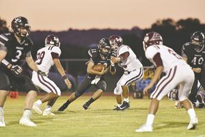 #22 Kolten Kitchens on the QB keeper breakes a tackle and gains additoinal yards