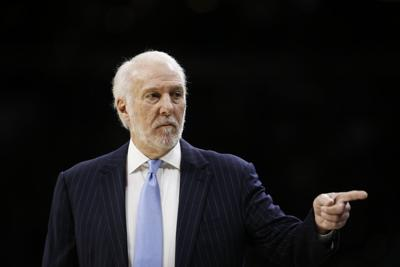 Spurs 76ers Basketball