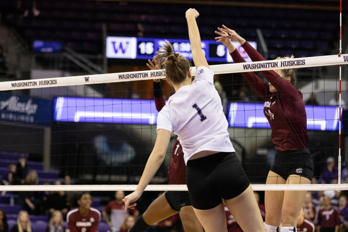 Sanders and Niece lead from the middle for UW against South Carolina
