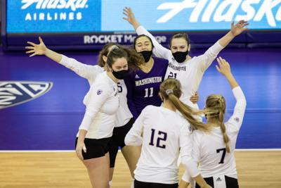 Huskies secure Pac-12 title after second sweep of Cal