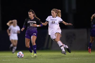 Yates' early header pushes Huskies over the line against Golden Bears