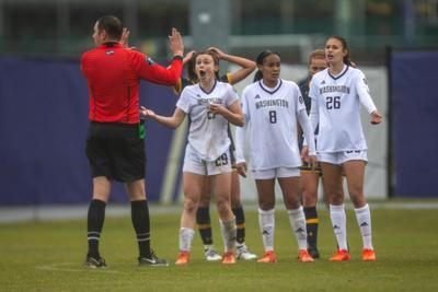 Huskies' journey ends after loss in Sweet 16