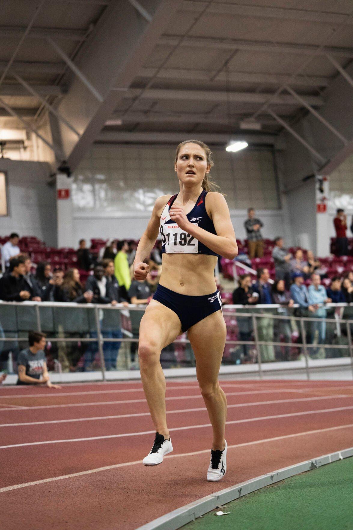 Love of the sport keeps Amy-Eloise Markovc running (2)