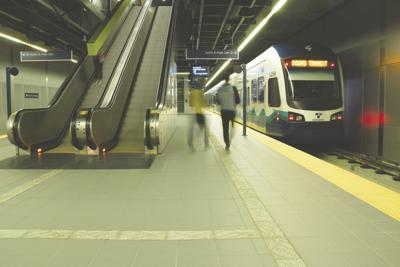 UW Visitors Guide: Light Rail Station