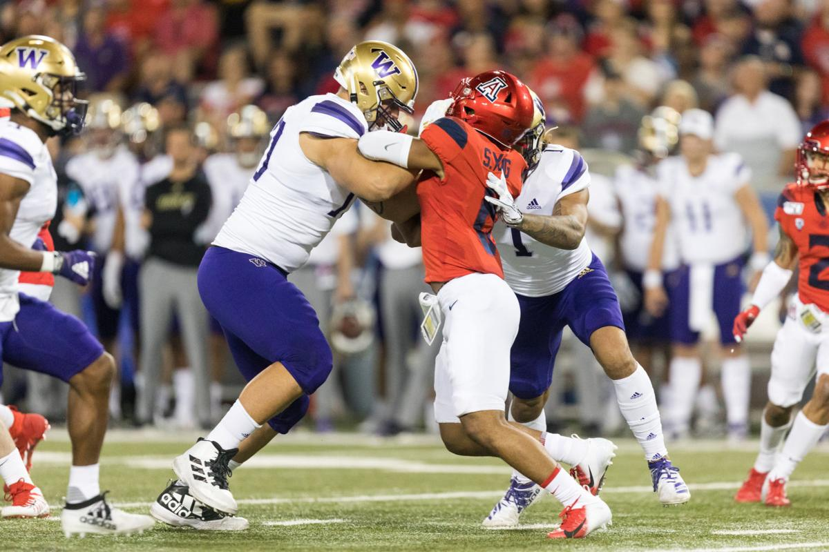 Lift, sleep, football: Jared Hilbers is the businessman of the UW offensive line