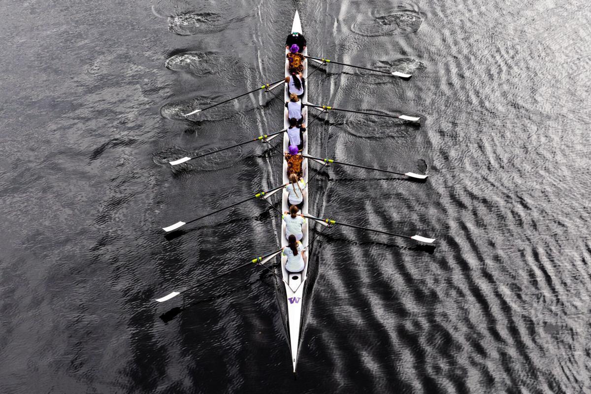 210327_ScottCarlson_RowingClassDayRegatta_WomensVarsity_1.jpg