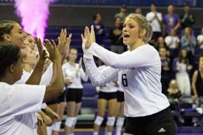 Dawgs get tall task to open Pac-12 play