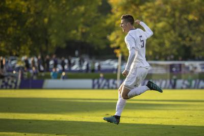 UW squeaks out win over Portland in sloppy game