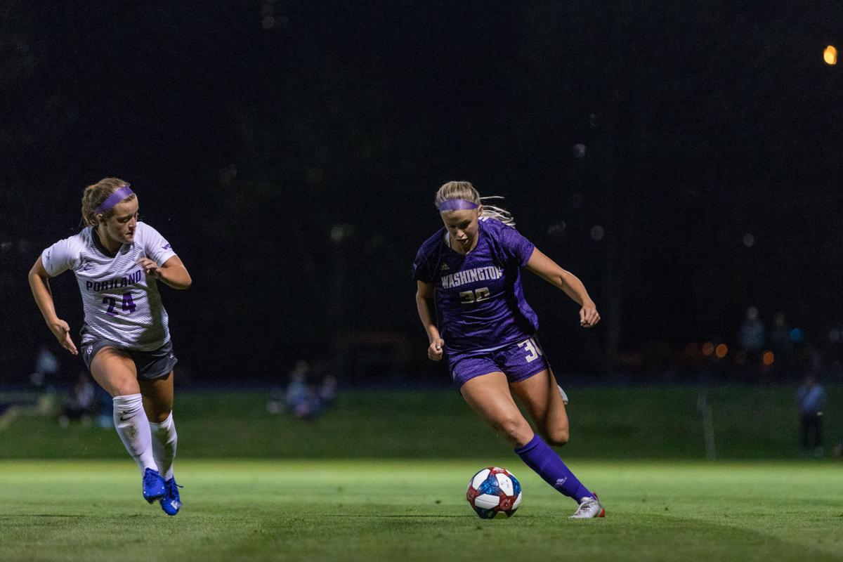 Stueckle leaps into Huskies' rotation