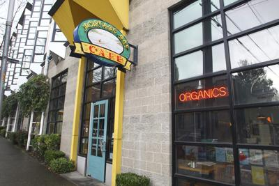 Local restaurants strive to support healthcare workers amid coronavirus while staying afloat