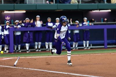 UW victorious to conclude Husky Fall Classic