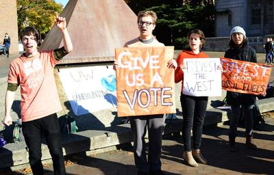 Divest UW rallies against investment in coal
