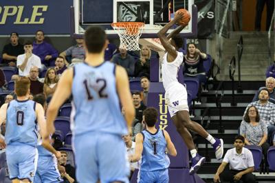 Instant recap: Carter brings the highlights and thunderous dunks in UW's bounce-back win