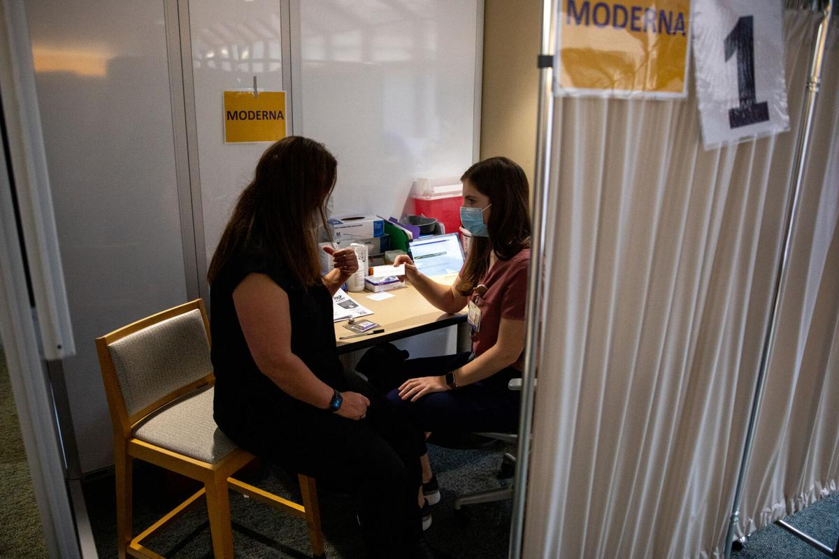 UW School of Nursing hosts COVID-19 vaccination boot camp