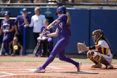 UW blows out UCF in midweek matchup