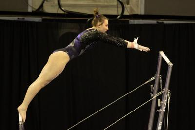 Momentum building for UW gymnastics heading into Pac-12 Championships