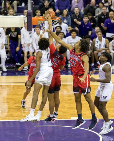 Washington's 6-9 freshman forward, Jaden McDaniels entertained for the blocks and dunks, but he also struggled to make shots or to limit turnovers in his team's loss to Arizona. (Photo: Conor Courtney/The Daily, via dailyuw.com.)