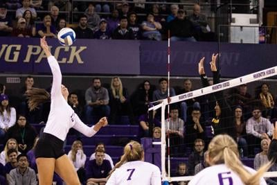 Instant: UW sweeps Winthrop to advance to second round of NCAA Tournament