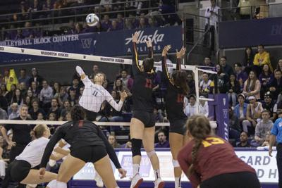 Huskies fall to USC in five sets