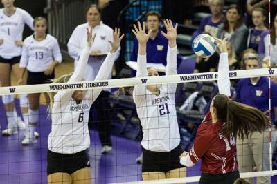Huskies dominate Oregon State in conference home opener