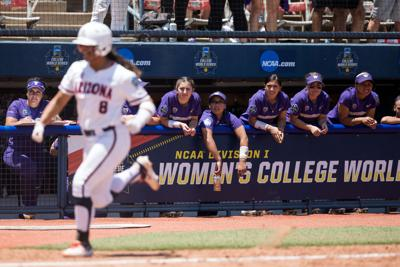 Homers send UW to elimination bracket in OKC