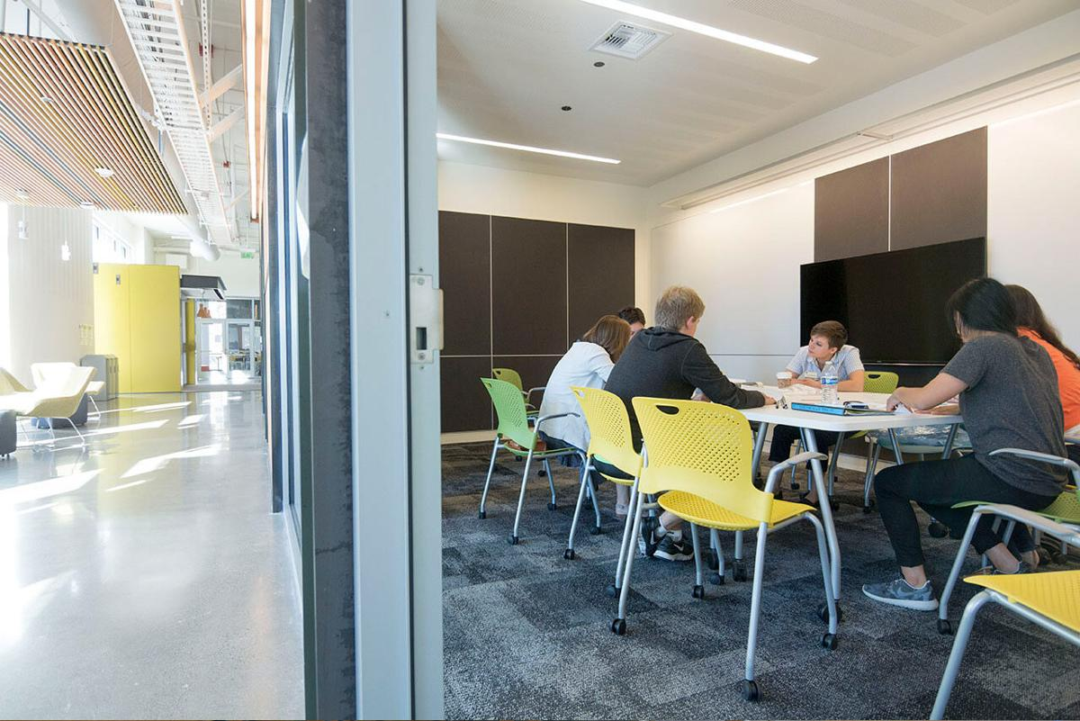 UW Area 01 meeting space.jpg