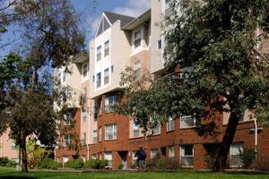 UW Stevens Court Apartments exterior.jpg