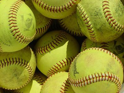 D-S girls vs. Fillies on softball field