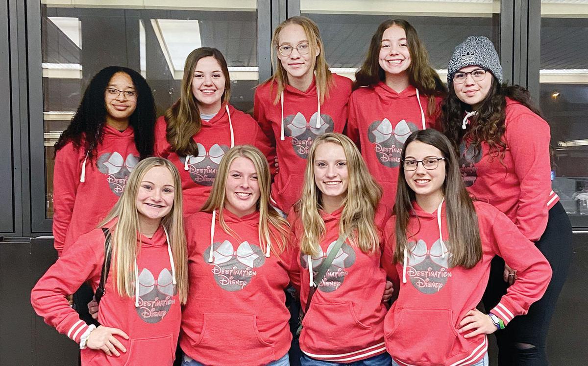 D-S cheerleaders on Vrbo Citrus Bowl trip