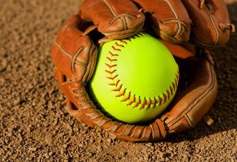 Lady Bulldogs' softball vs. WH