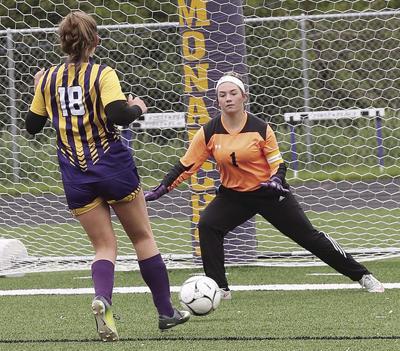 D-S girls in regional soccer