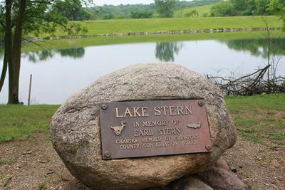 Nelson Park, Lake Stern rock.jpg