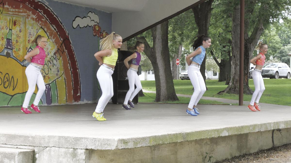 Boogie Shoes tap quintet