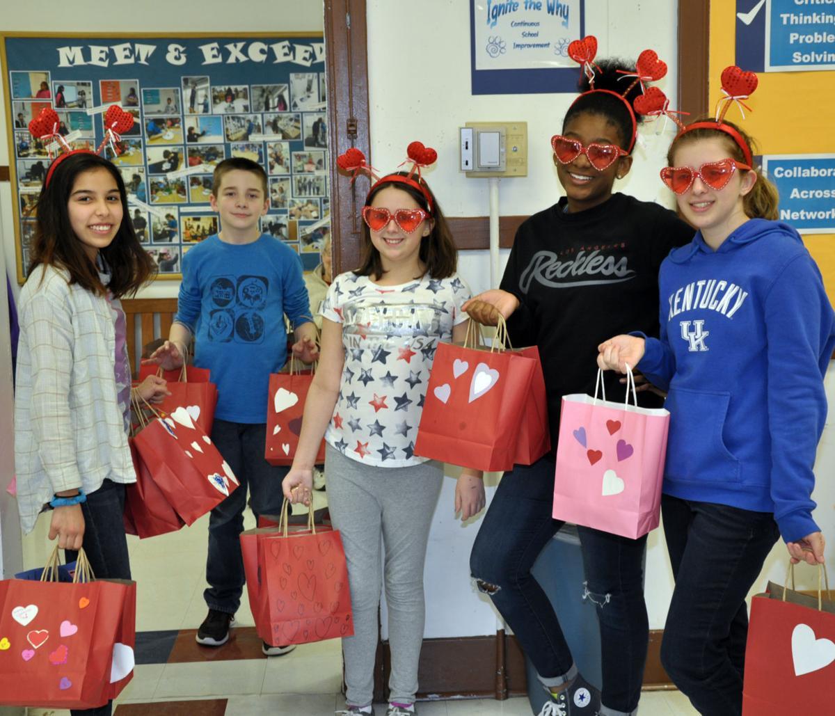 Dahlgren School AVID Class Prepares to Distribute Valentines for Veterans