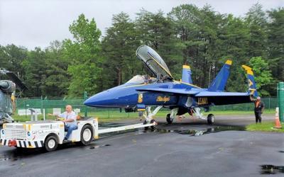 Blue Angel 7 lands at Pax after final flight