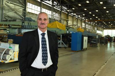 More V-22s on flight line lands DoD award for NAVAIR employee