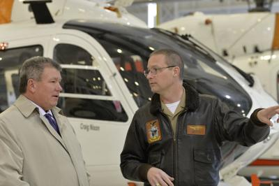 Maryland senator tours US Naval Test Pilot School