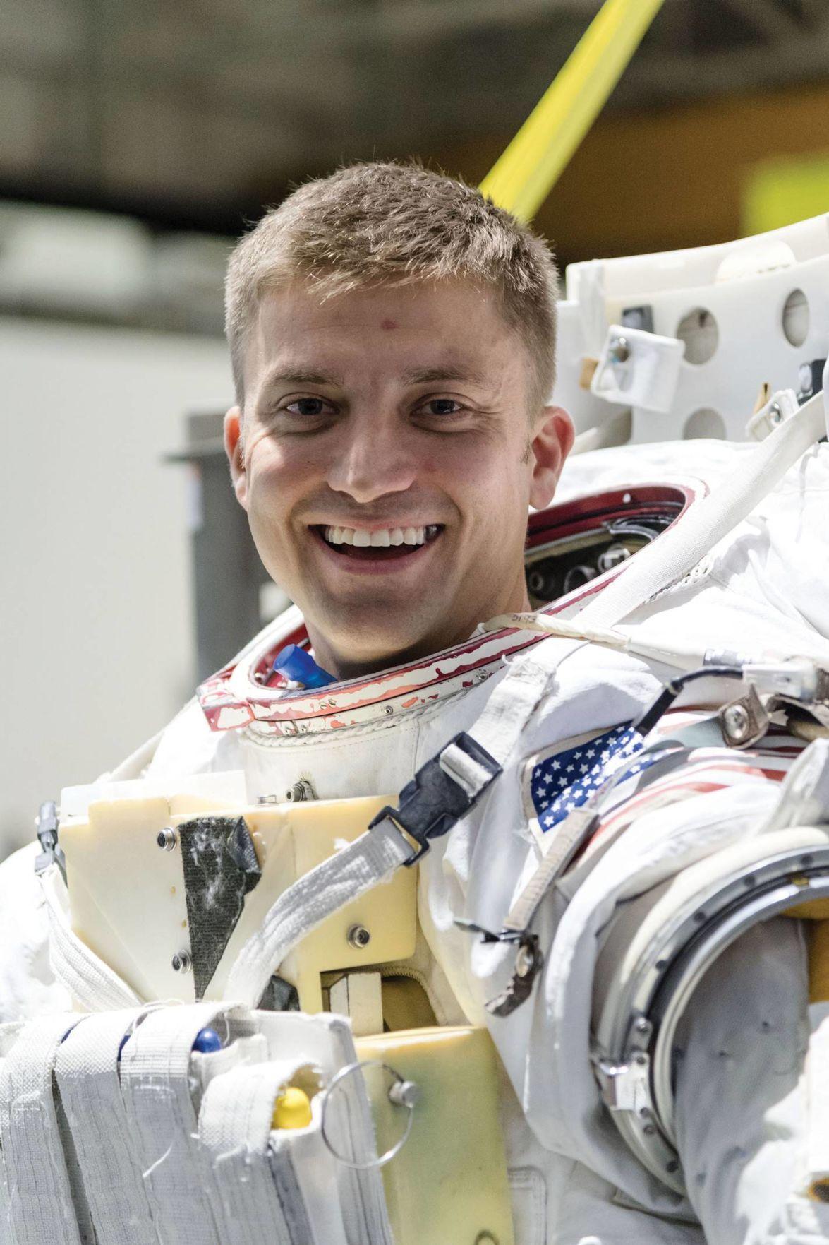 Test Pilot School alumni reach for the stars