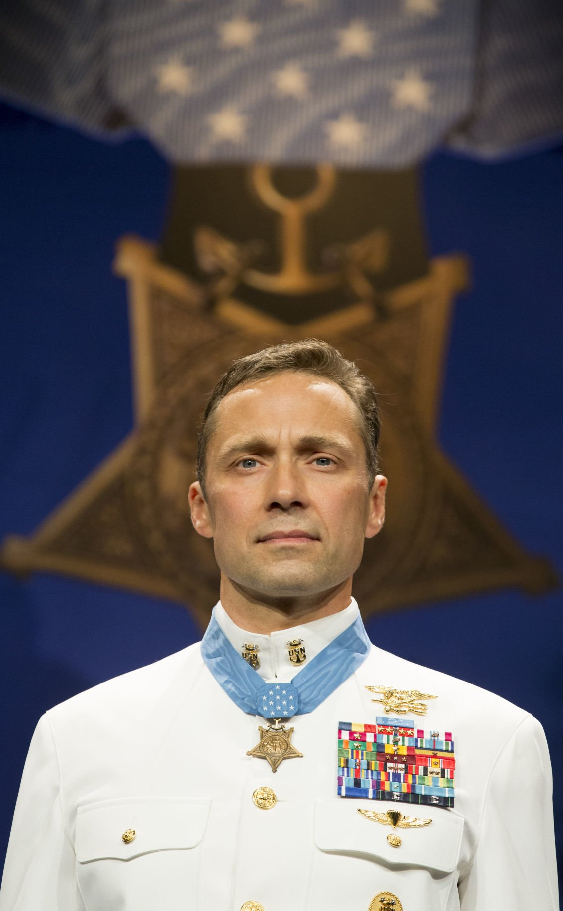Medal of Honor Recipient Master Chief Britt Slabinski Inducted into Pentagon Hall of Heroes