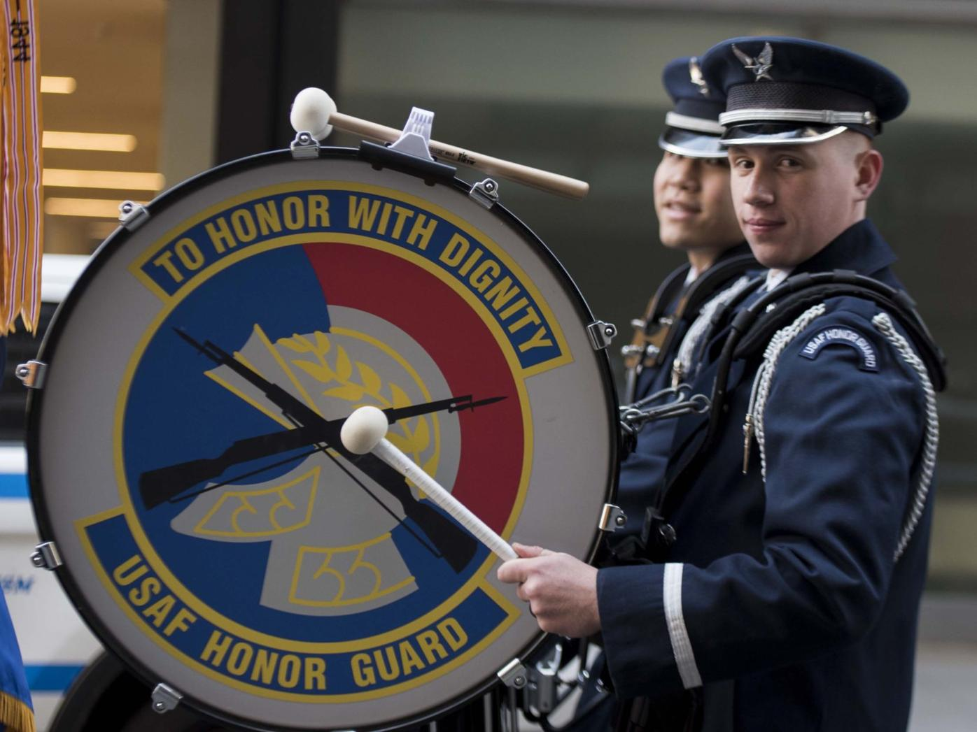 NYC St. Paddy's Day Parade features USAF Honor Guard