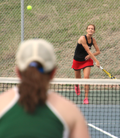 Paonia tops Delta in tennis